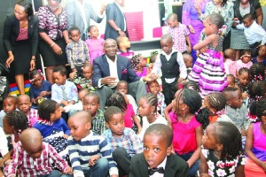 •Lagos State Governor, Mr. Babatunde Fashola, SAN, (middle), interacting with pupils of Corona Day Nursery Schools, Ikoyi, during a courtesy visit to the Governor at the State House, Ikeja, Lagos, on Tuesday.