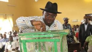 Gov. Dickson casting his vote