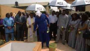 Stephen Keshi performing dust to dust to his late wife.