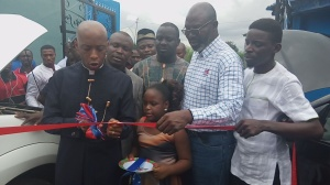 Hon Barr Onofiok Luke commissioning the AutoMedics Uyo Workshop Complex at the weekend