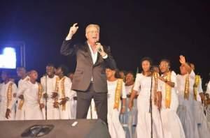 Don Moen ministering
