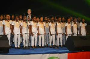 Don Moen with Uyo Girls Choir
